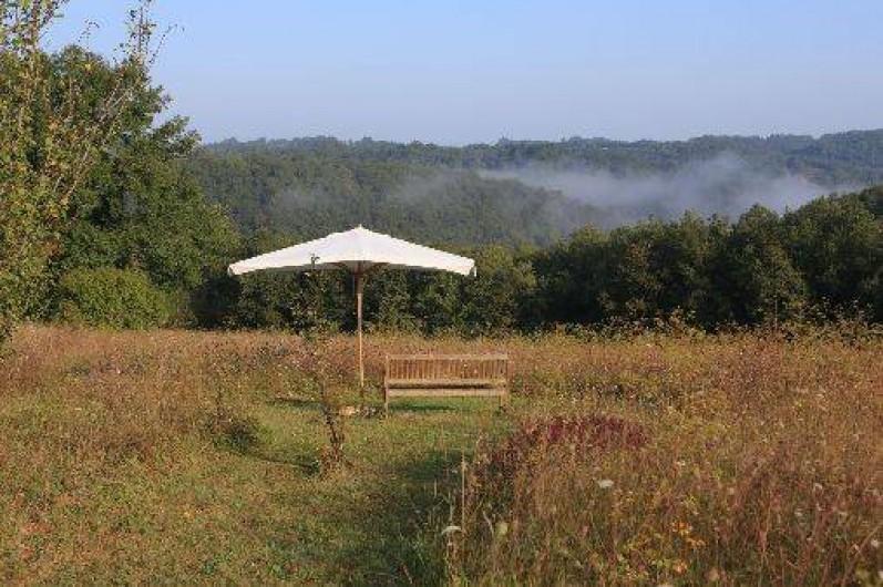 """Location de vacances - Gîte à Saint-Amand-de-Coly - le coin """"méditation"""" et lecture"""