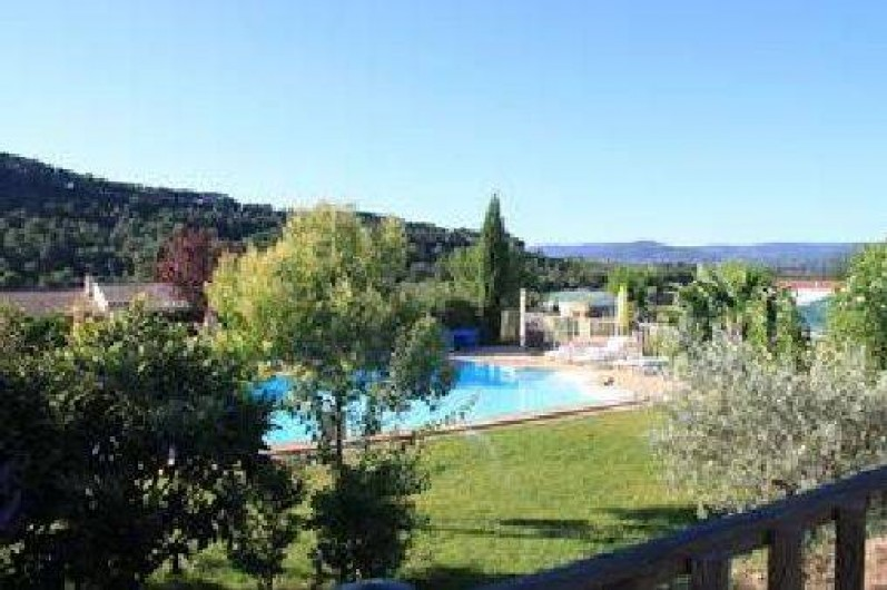 Mobil home dans camping en provence sud luberon avec for Camping vaucluse piscine