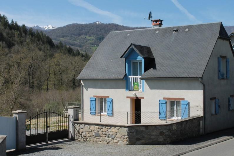 Location de vacances - Gîte à Peyrouse - Façade rue