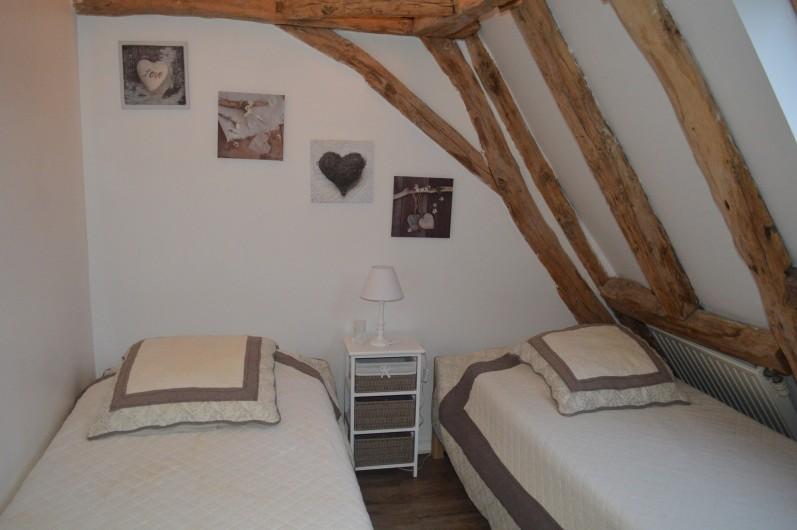 Location de vacances - Gîte à Pezuls - chambre 2lits 140x190