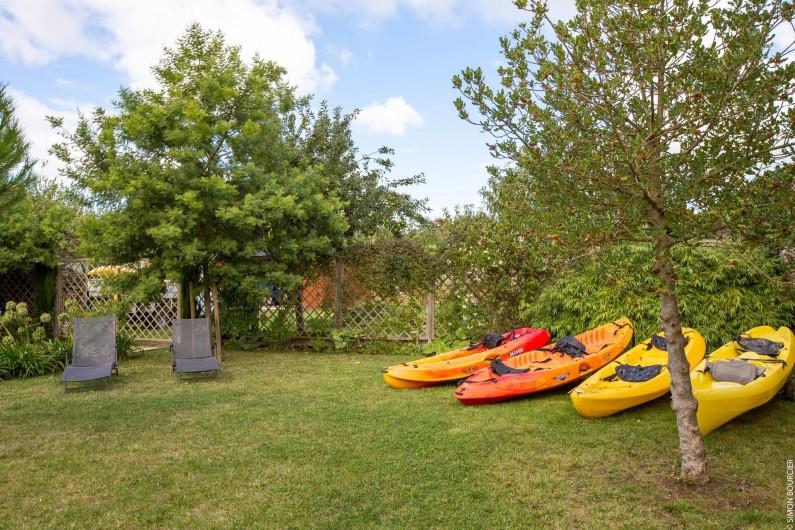 Location de vacances - Gîte à Saint-Malo - des kayaks prêts à servir pour descendre faire un tour sur la rance