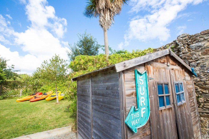 Location de vacances - Gîte à Saint-Malo - les chariots les gilets pour les kayaks sont toujours prêts