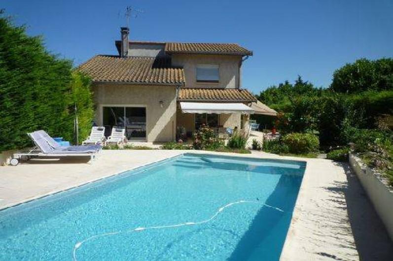 Location de vacances - Villa à Caluire-et-Cuire - vue du haut de la piscine
