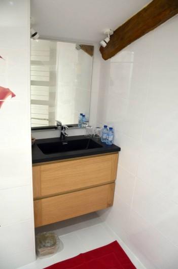 Location de vacances - Chambre d'hôtes à Auty - Salle d'eau chambre Tourterelle