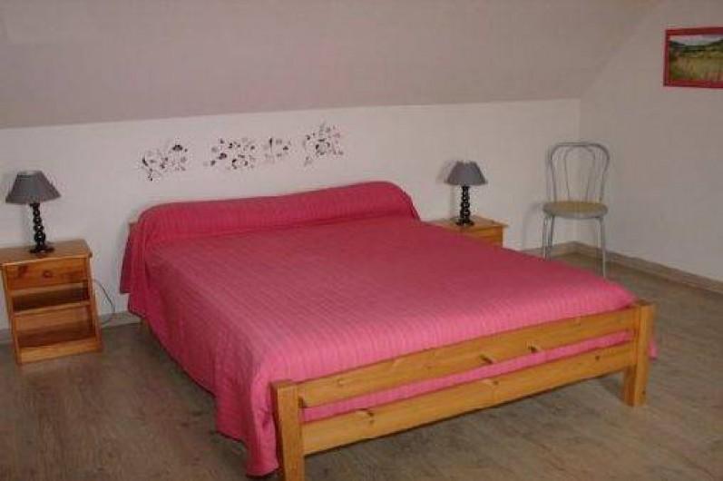 Location de vacances - Gîte à Tréflez - chambre ,lit double et lit bébé