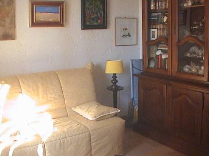 Location de vacances - Villa à Mandelieu-la-Napoule - vue de la chambre du haut