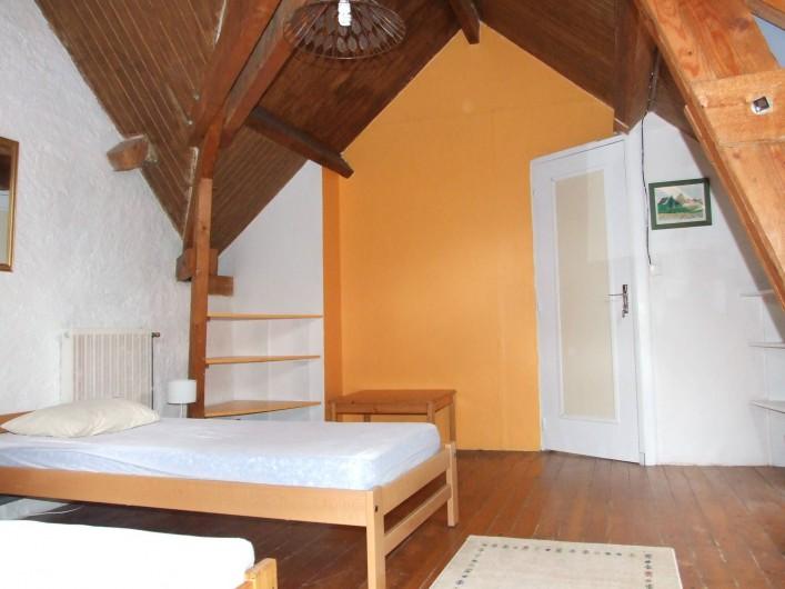 Location de vacances - Maison - Villa à Franchesse - Aile gauche, chambre les poutres.