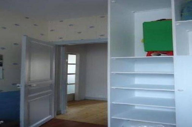 Location de vacances - Appartement à Saint-Malo - chambre sur cour