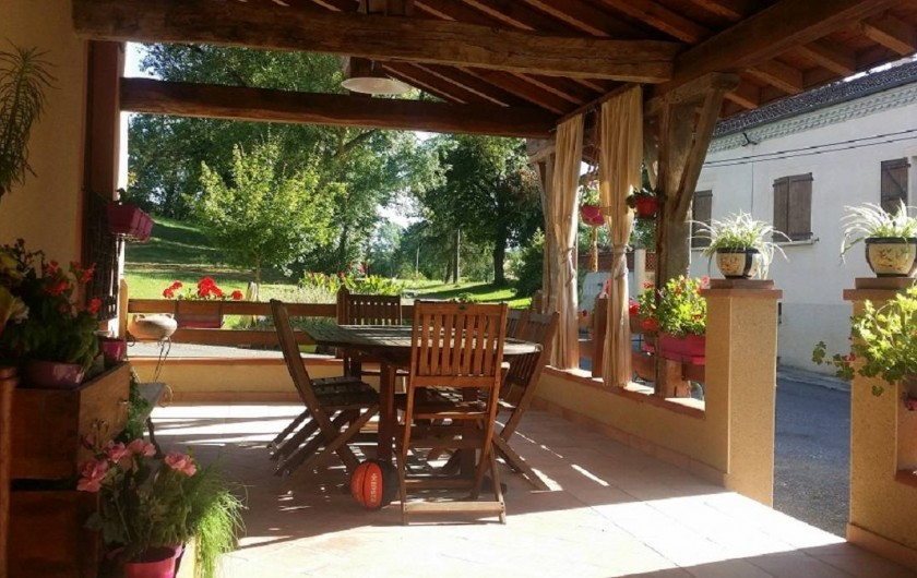 Location de vacances - Chambre d'hôtes à Seysses-Savès - La terrasse