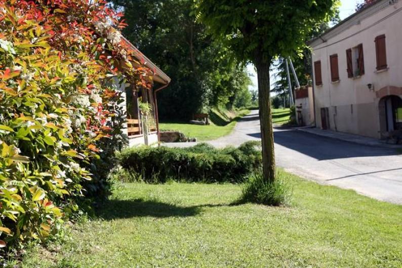 Location de vacances - Chambre d'hôtes à Seysses-Savès - L'extérieur
