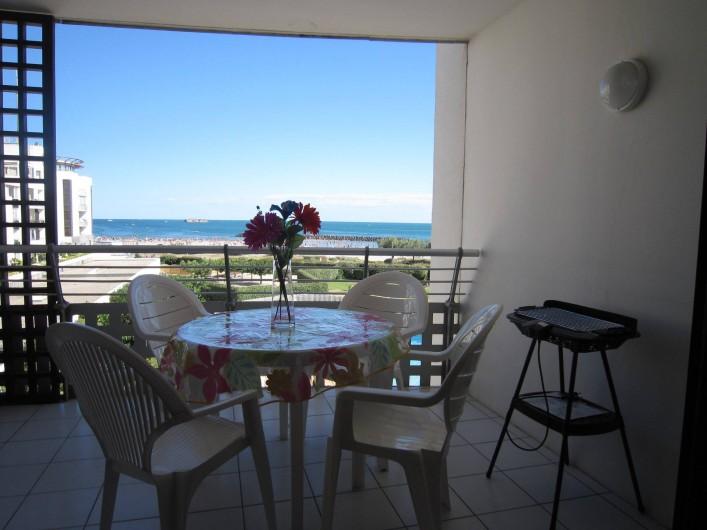 Location de vacances - Appartement à Le Cap d'Agde - Meubles du balcon