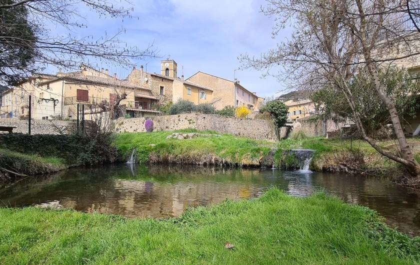 Location de vacances - Appartement à Saint-Montan - village de Saint Montan