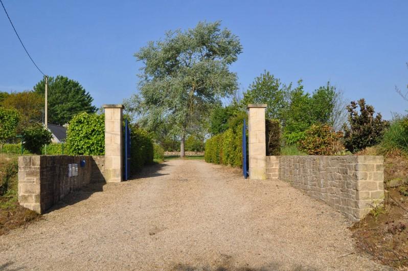 Location de vacances - Gîte à Lanvellec - Entrée propriété