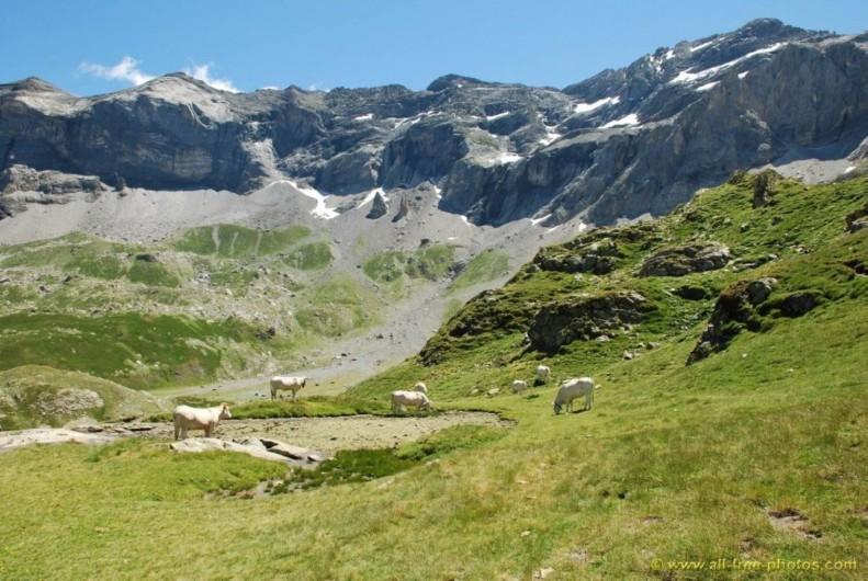 Location de vacances - Gîte à Esquièze-Sère - Cirque de Troumouse sauvage et majestueux