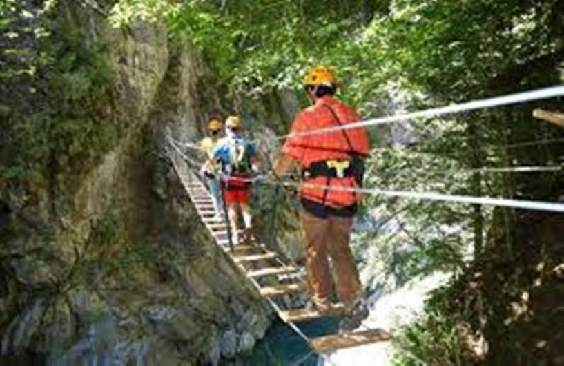 Location de vacances - Gîte à Esquièze-Sère - Tyrolienne  à   Luz