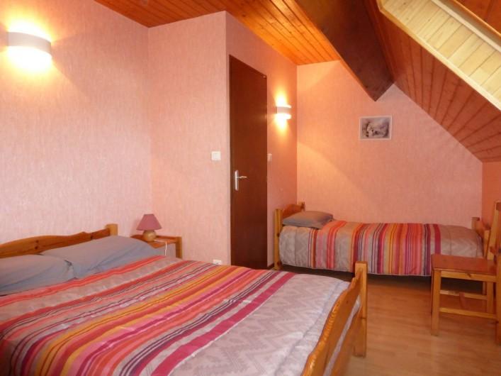 Location de vacances - Gîte à Esquièze-Sère - CHAMBRE  2 lits
