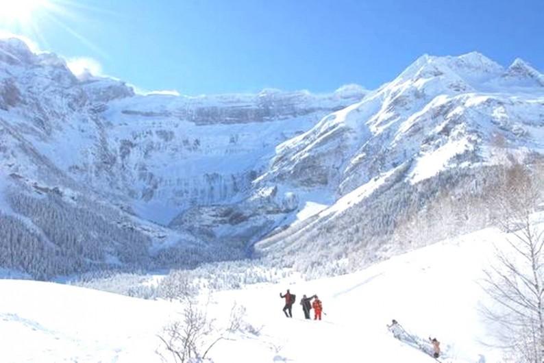 Location de vacances - Gîte à Esquièze-Sère - Raquette  en hiver  Cirque de  Gavarnie