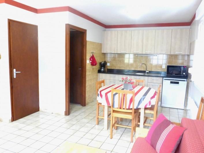Location de vacances - Gîte à Esquièze-Sère - CUISINE  et cellier