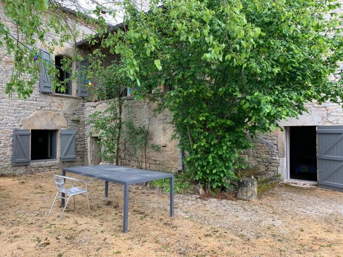 Location de vacances - Gîte à Saint-Antonin-Noble-Val - Salle à manger pouvant recevoir 25 personnes