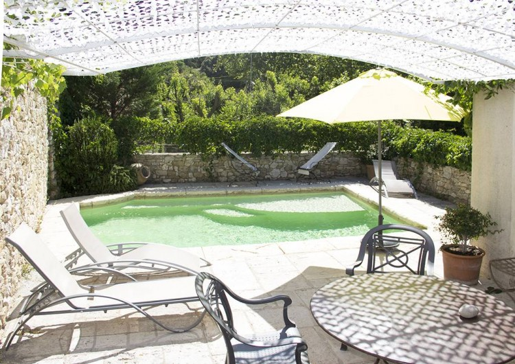 Location de vacances - Gîte à Robion - Coté piscine