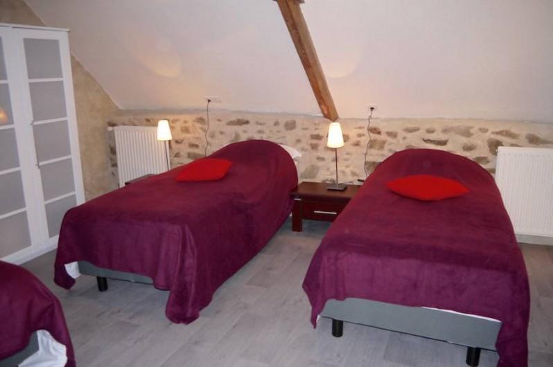 Location de vacances - Gîte à Bécherel - chambre 2 avec 3 lits simples ou 1 lit double et 1 lit simple