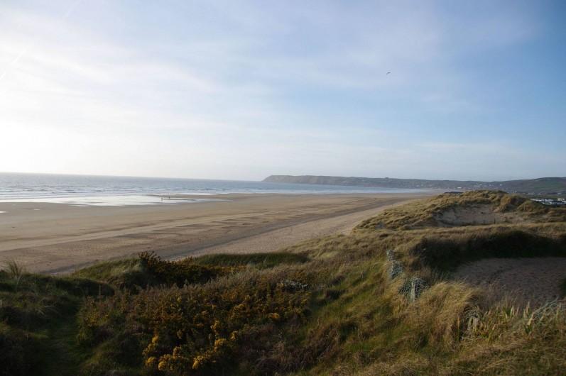 Location de vacances - Gîte à Surtainville - Autre vue de la plage