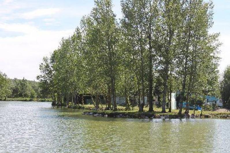 Location de vacances - Camping à Damiatte - étang de pèche