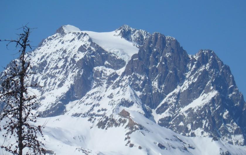 Location de vacances - Appartement à Puy-Saint-Vincent - Vue de l'appartement sur le glacier du Pelvoux