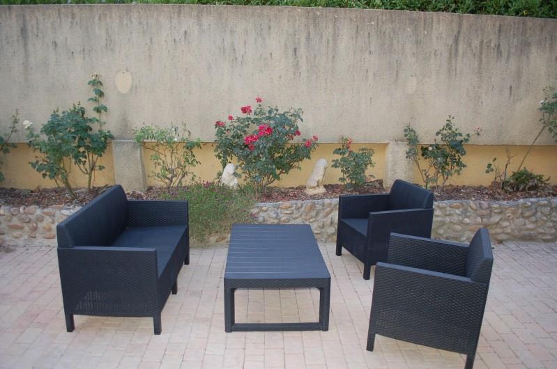Location de vacances - Villa à Les Granges-Gontardes - Salon de jardin (en sus de celui pour manger sur la terrasse)
