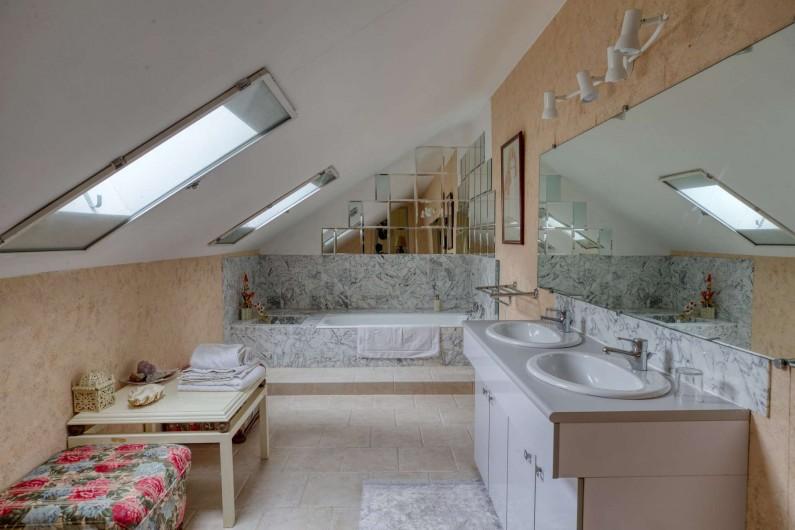 Location de vacances - Château - Manoir à Poligné - Salle de bain Les Angelots