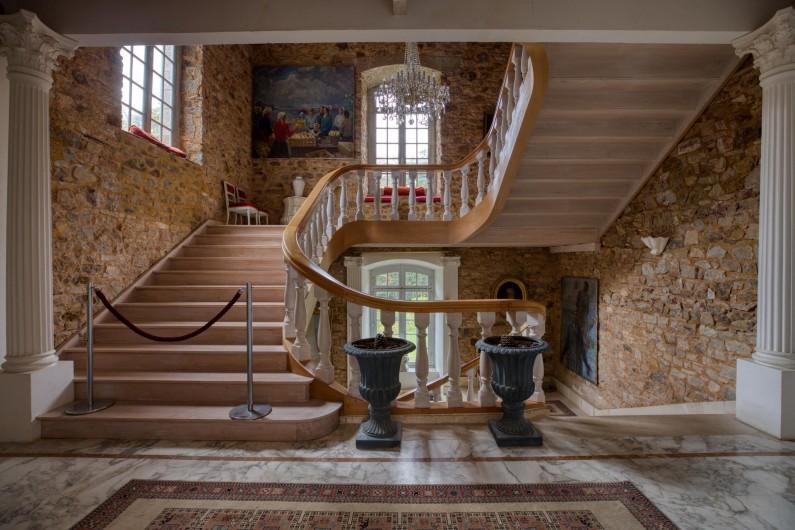 Location de vacances - Château - Manoir à Poligné - Escalier premier étage