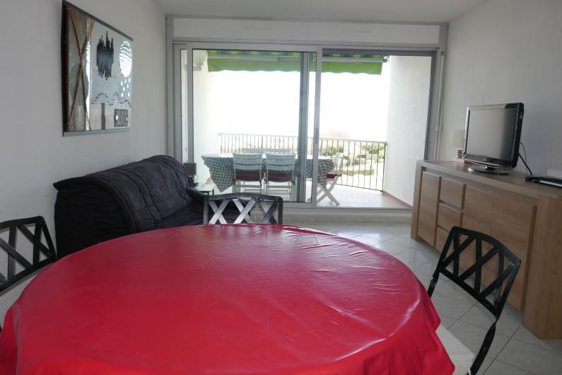 Location de vacances - Appartement à La Grande-Motte - Salle de séjour avec canapé 160 de large