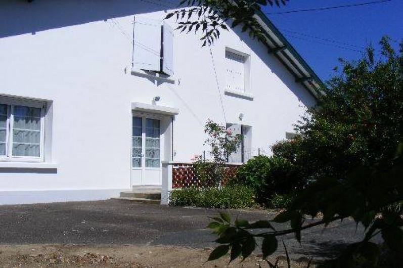 Location de vacances - Appartement à Tarnos - Façade côté rue