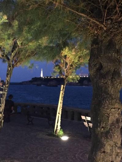 Location de vacances - Appartement à Tarnos - le Phare by night