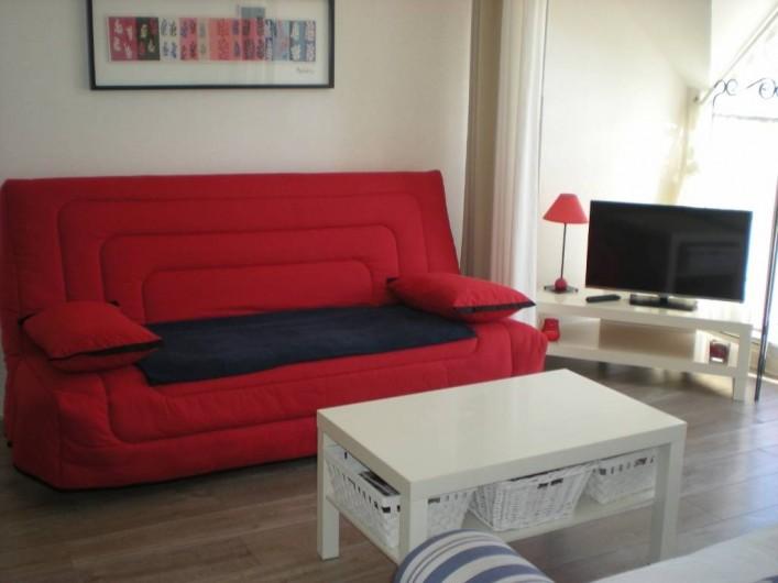 Location de vacances - Appartement à Perros-Guirec - Séjour-Salon, coin télé