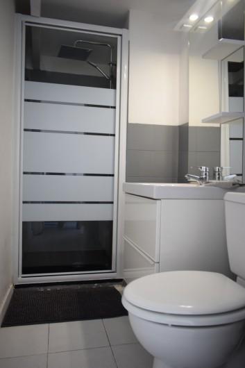 Location de vacances - Villa à Frontignan - salle d'eau + wc attenants à la chambre 3