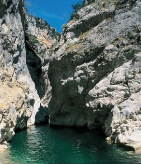 Location de vacances - Gîte à La Rochette - clues d'Aiglun