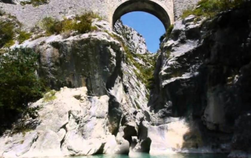 Location de vacances - Gîte à La Rochette - Clues de l'Estéron