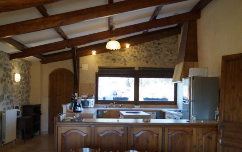 Location de vacances - Gîte à La Rochette - cuisine du gîte 6 pièces