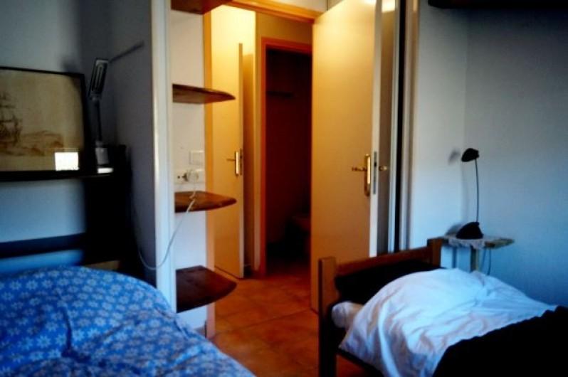 Location de vacances - Gîte à La Rochette - une chambre du gîte 3 pièces