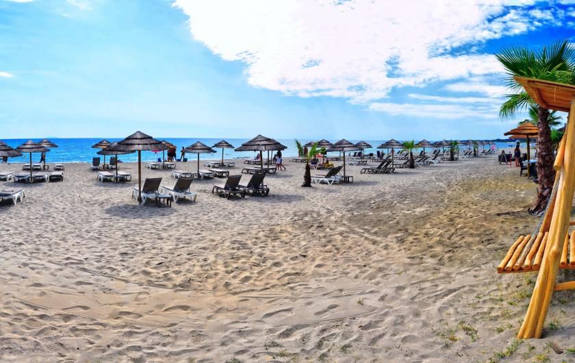 Location de vacances - Appartement à Santa-Lucia-di-Moriani - Notre plage aménagée