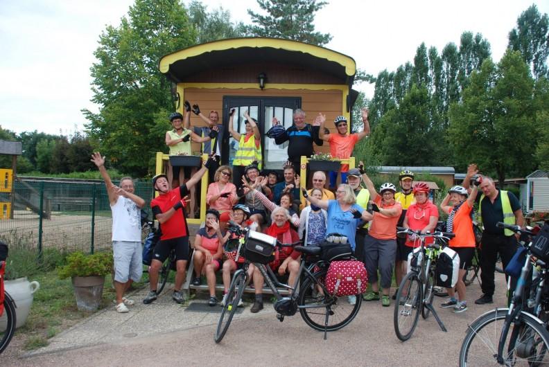 Location de vacances - Roulotte à Châtillon-en-Bazois - Groupe de cyclites