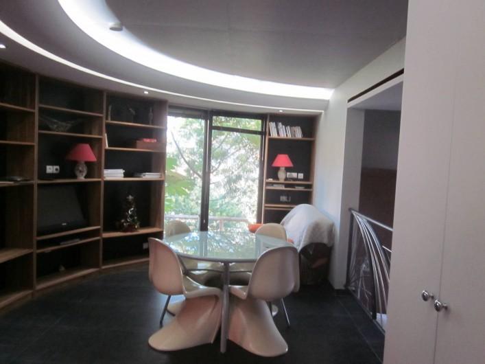 Location de vacances - Studio à Mandelieu-la-Napoule - sejour salon