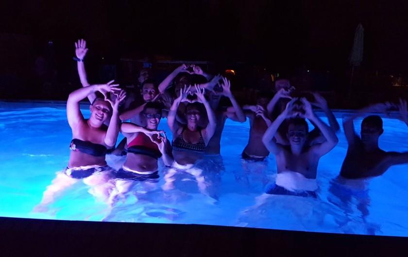 Location de vacances - Camping à Givrand - Nocturne piscine