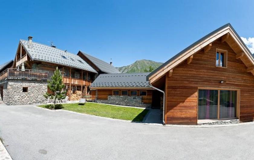 Location de vacances - Chalet à Albiez-Montrond - extérieur été