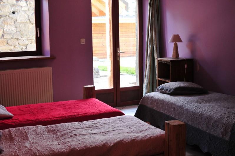 Location de vacances - Chalet à Albiez-Montrond - chambre 1 rdc