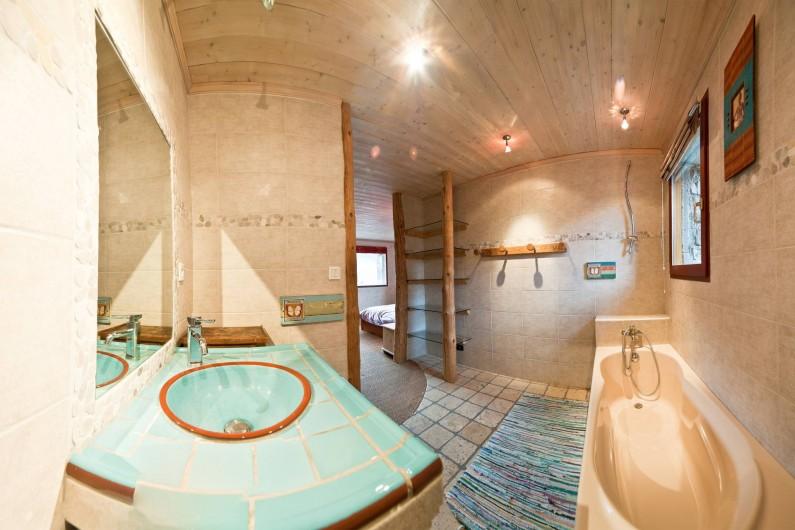 Location de vacances - Chalet à Albiez-Montrond - salle de bain chambre 5