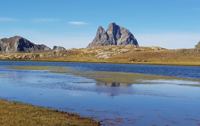 Location de vacances - Gîte à Laruns - Lac de l'Anayet  avec Pic du Midi d'Ossau
