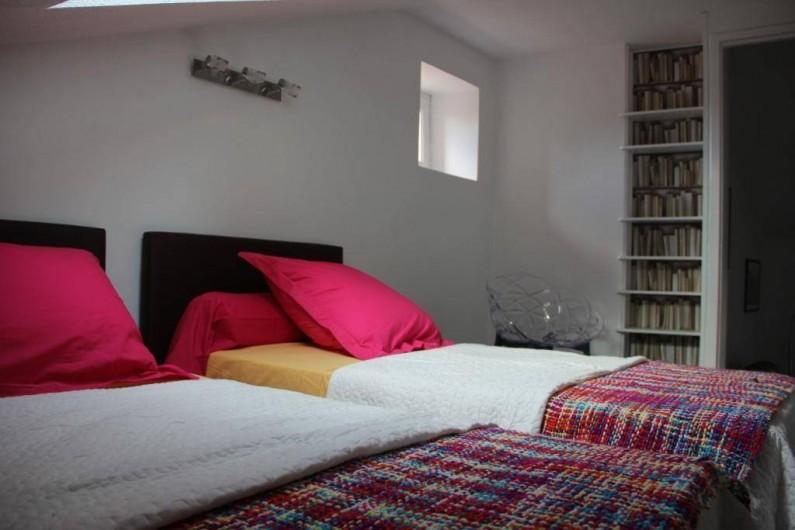 Location de vacances - Gîte à Albi - Chambre aux lits en 90 cm