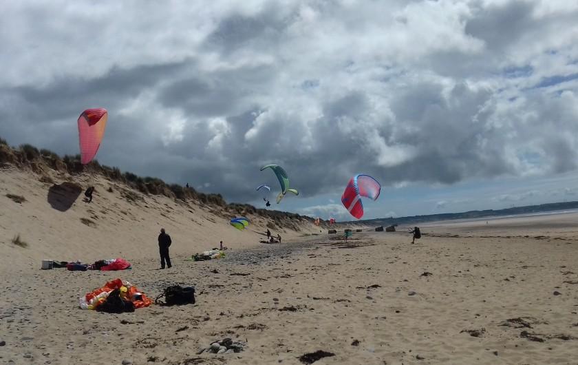 Location de vacances - Gîte à Picauville - Possibilité de faire du Parapente aux dunes de Biville